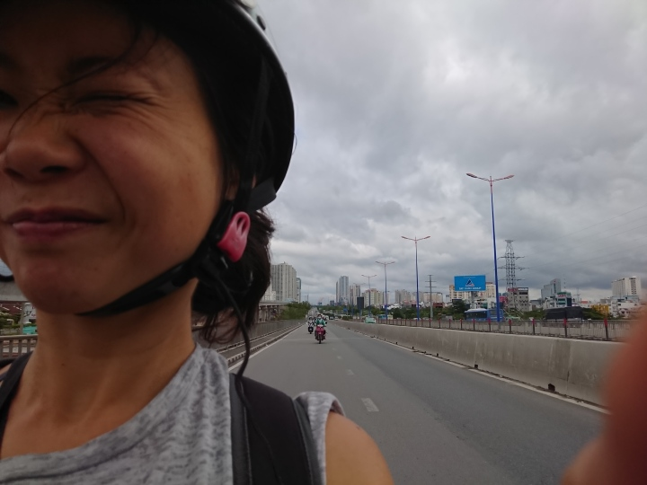 Monday 26th November – the day after the storm in hcm. The day I do a visa run to Cambodia (part 1)